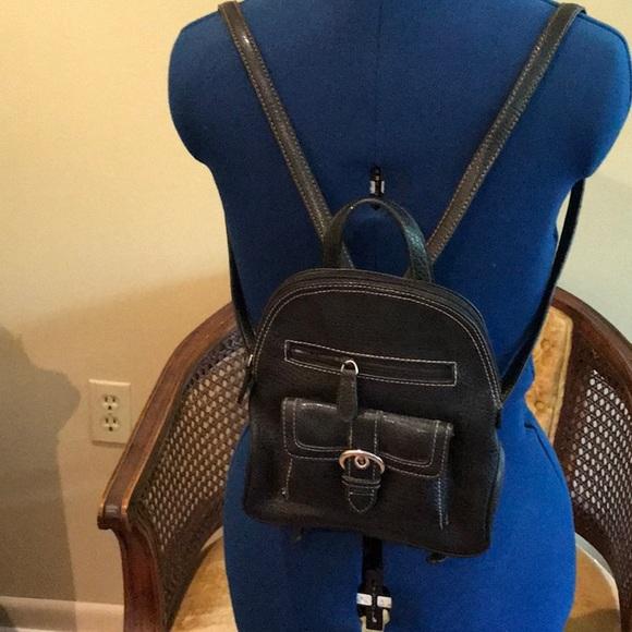 Nine West Handbags - Nine West Pack pack Style Handbag